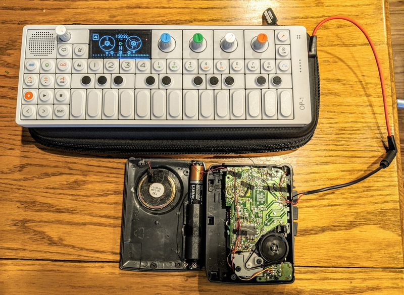 Recording a drone from my OP-1 to the tape.